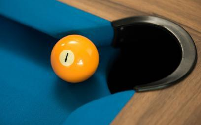 billiards number 1 yellow ball